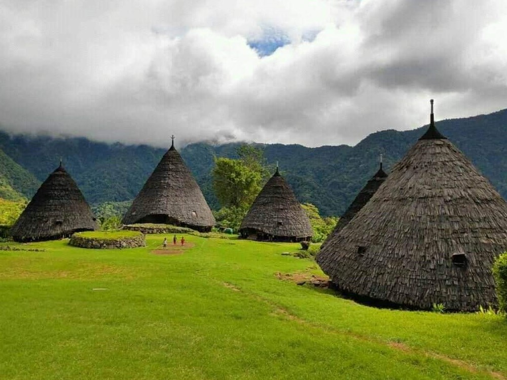 Wae Rebo Village and Komodo Trekk Tours 6D/5N